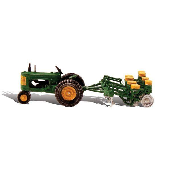 トラクターとプランター:ウッドランド塗装済完成品HO(1/87)AS5565