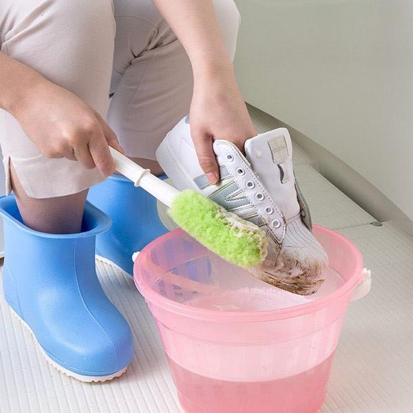 靴洗いブラシ びっくりシューズ洗い 上履き くつ 運動靴 スニーカー 上靴 子供 洗剤なし 水だけ 日本製 びっくりフレッシュ サンコー|sanko-online|02