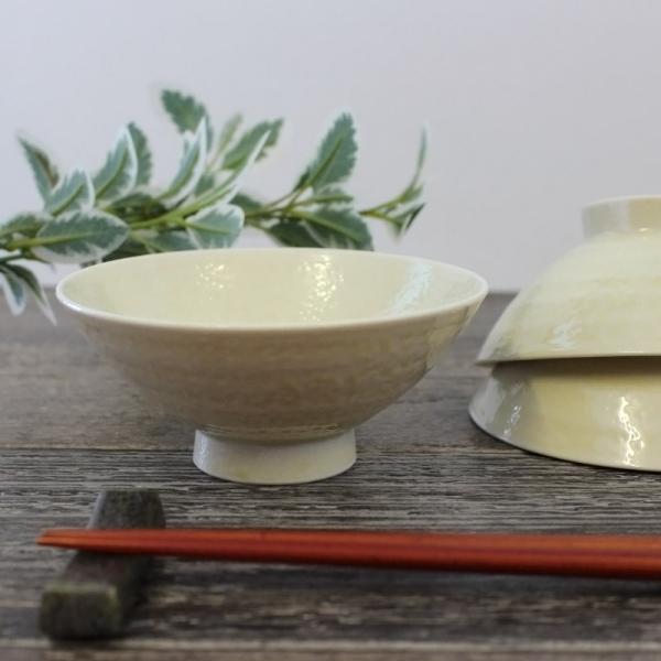 伊良保巻彫茶碗