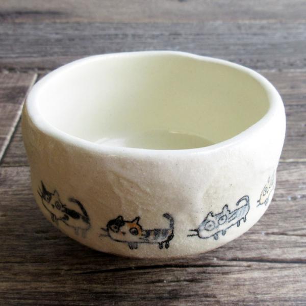 小さい抹茶碗 ネコちゃん