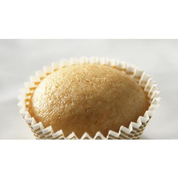もぐもぐ工房 (冷凍) すまいるカップケーキ プレーン 2個入×10セット 390030 スイーツ・お菓子 米粉を使用したカップケーキです。