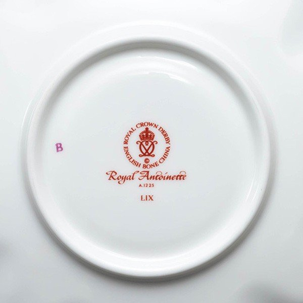 ロイヤル・クラウン・ダービー ロイヤル・アントワネット ティーカップ&ソーサー selectors 05