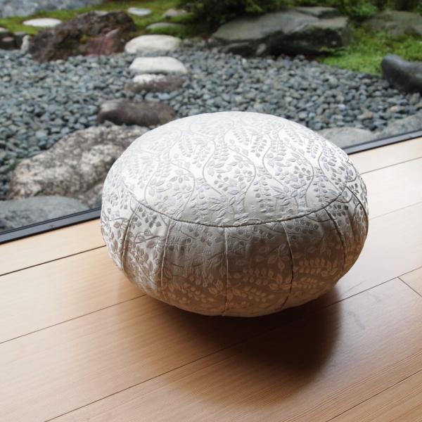 33cm幅 ボタニカル白 座禅 ヨガに最適 座布団 瞑想 座禅 yoga クッション 送料無料の日本製
