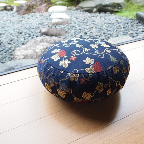 33cm幅 葡萄紺 座禅 ヨガに最適 座布団 瞑想 座禅 yoga クッション 送料無料の日本製