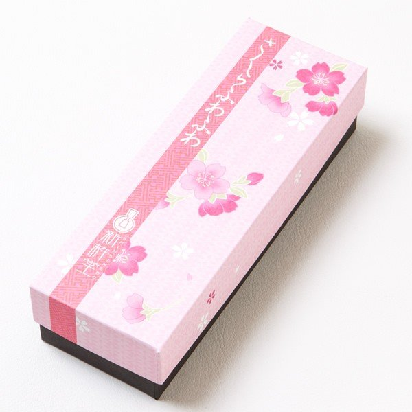 母の日 ギフト 2018 桜の風味が漂う和風ケーキ「桜ふわふわ」 1本 / 新杵堂|shinkinedo|02