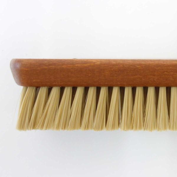 M.MOWBRAY M.モゥブレィ プロ・ホワイトブラシ(ドイツ製) 化繊毛を使用しているシューズブラシ