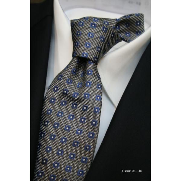 セッテピエゲ(七つ折り)ALBENIアルベニの小紋(グレー)のネクタイ|shop-kinkodo|10
