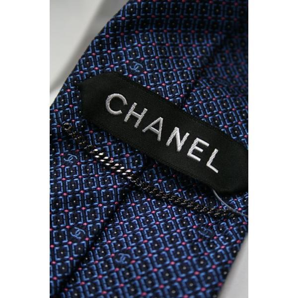 CHANEL【シャネル】のブルーベースにネイビーチェックにピンクのドットがポイントのタイ|shop-kinkodo|03