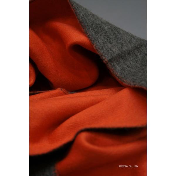カシミヤのリバーシブルストール・マフラー Johnstonsジョンストンズ ダークグレイとオレンジ|shop-kinkodo|11