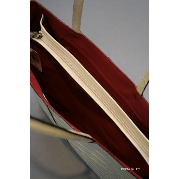 牛革クロコダイル型押し内張り赤のトートバック(ホワイト)|shop-kinkodo|04