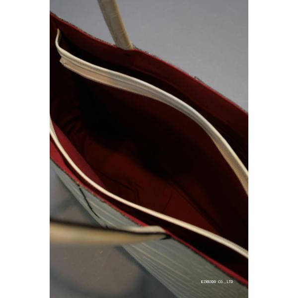 牛革クロコダイル型押し内張り赤のトートバック(ホワイト)|shop-kinkodo|05