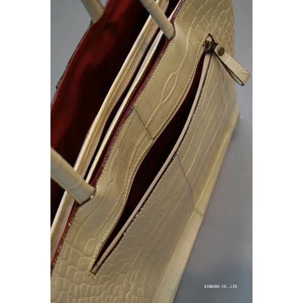 牛革クロコダイル型押し内張り赤のトートバック(ホワイト)|shop-kinkodo|06