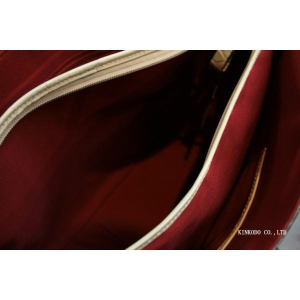 牛革クロコダイル型押し内張り赤のトートバック(ホワイト)|shop-kinkodo|10