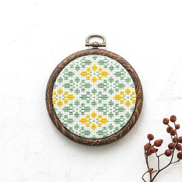 COSMO プチフレームの壁飾り 花菱 フレーム付 円形フレーム shugale1