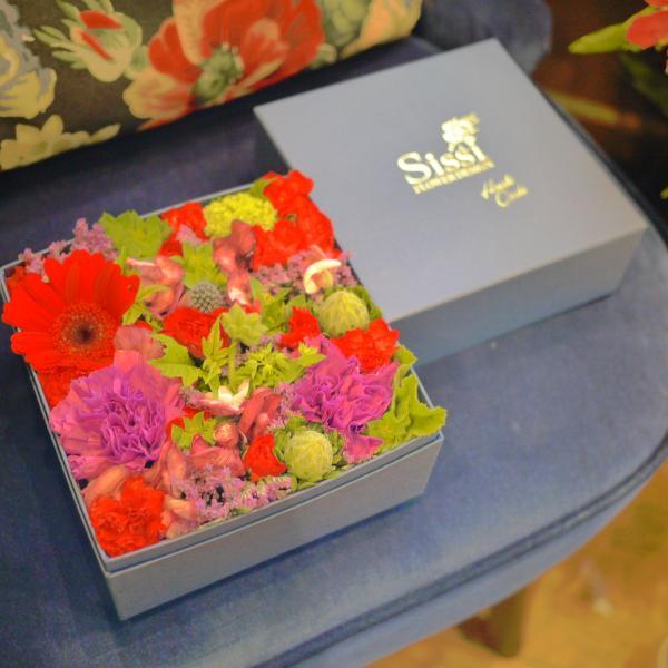 Mサイズ Sissiオリジナルフラワーボックス 正方形 クリスマス バレンタイン ホワイトデー 誕生日 花 ギフト プレゼント 到着後レビューを書いて送料無料|sissi|02