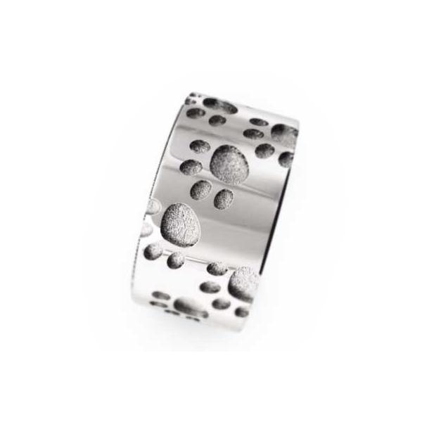 平打ちの指輪/スタンダード/猫/k18ホワイトゴールド/約7mm幅/厚さ約1.4mm/肉球足跡リング