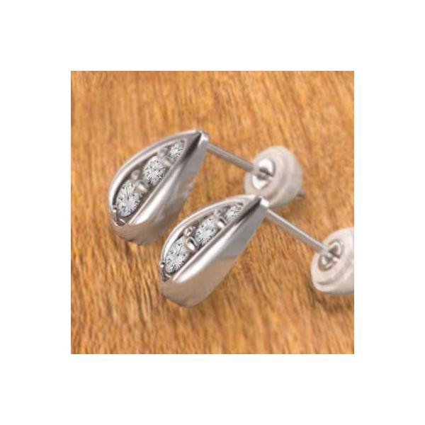 天然ダイヤモンド ペアピアス 雫型 4月誕生石 18kホワイトゴールド キャッチ付