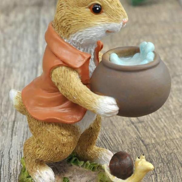 レジン製ウサギのミニオブジェ(水やり)|sshana|04