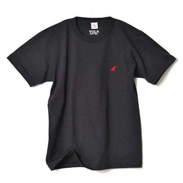 VOLN / CREW NECK T-SHIRT / RED FIN / SUMI BLACK|standardstore