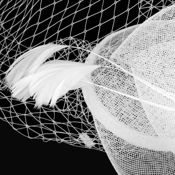 Kesoto 美しい ミニトップハット ブライダル 魚網 顔 ベール 羽 魅惑的 ヘアクリップ 魅力的 全3種類  - ホワイト