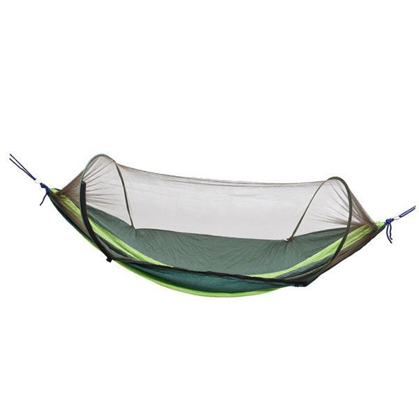 蚊帳のダークグリーンが付いている屋外のキャンプのハンモックのボートの掛かるベッド