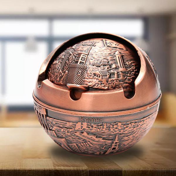 屋外古代の赤いトルコのための揚げヨーロッパスタイルの防風灰皿