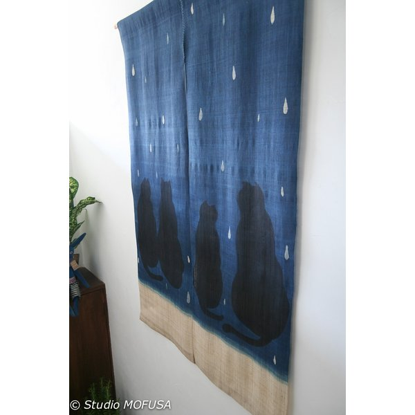 暖簾 のれん N-8126 雨ネコ  墨染 藍染 半間 本麻 90cmx130cm|studio-mofusa