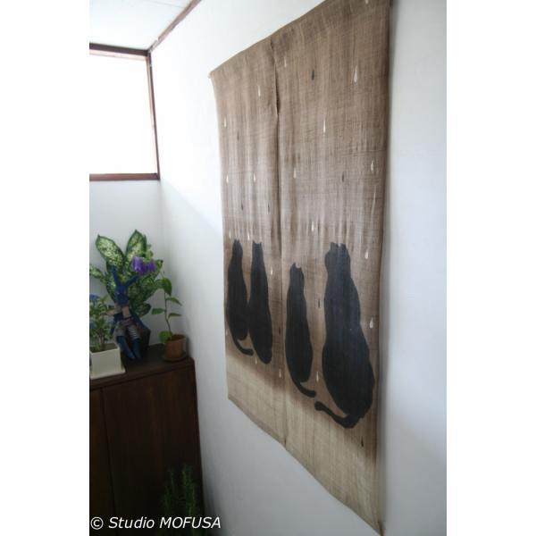 暖簾 のれん N-8136 雨茶ネコ  墨染 天然染料 檳榔樹 半間 本麻 90cmx130cm studio-mofusa