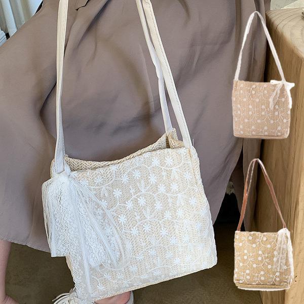 ショルダーバッグ スクエア型 ストロー素材 フラワー 刺繍 花柄 リボン 夏 バッグ 鞄 韓国 レディース