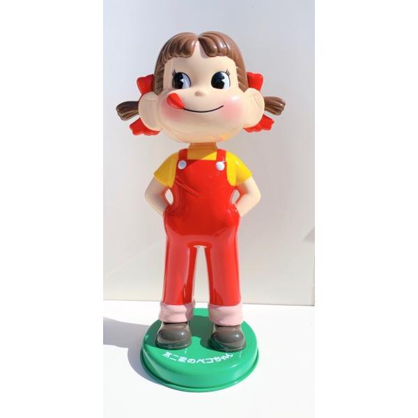 ペコちゃん首振り人形