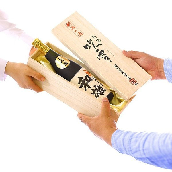 父の日 名入れ 日本酒 プレゼント お酒 ギフト 大吟醸 手書きラベル 720ml 木箱入 辛口 60代 70代 80代 新潟 高野酒造|takano-shuzo-y|09