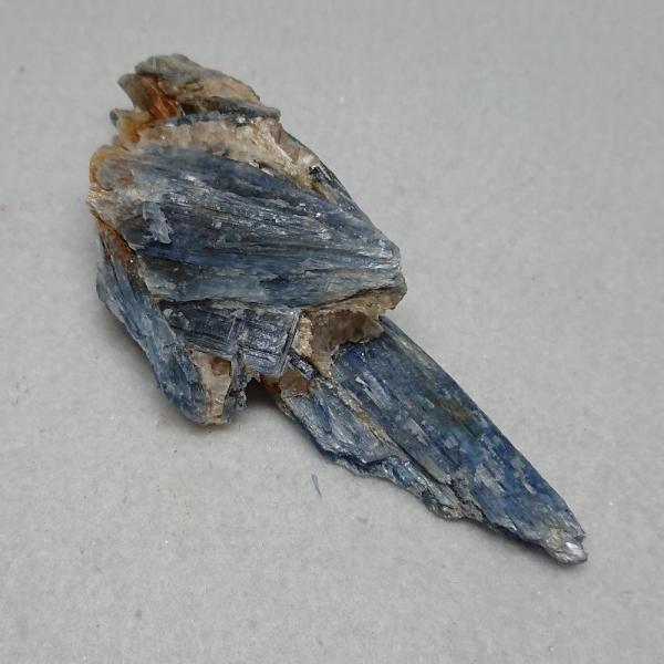 ブルー・カイヤナイト ブラジル産 原石 約83g  np9240