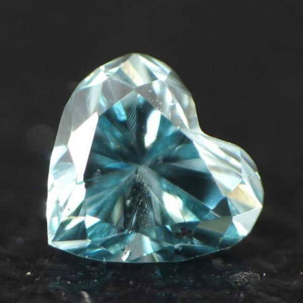 ブルーダイヤモンド(トリートメント)ルース 0.041ct アイスブルー系 SIクラス位 ハートシェイプ