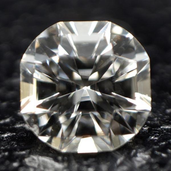 ダイヤモンドルース 0.111ct Fカラー VS1 通称:クロスフォー・カット