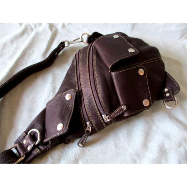 バッグ メンズ ショルダー ボディ カバン 鞄 ダークブラウン 牛革 ショルダーバッグ  ワンショルダー 多重ポケット ティアドロップ