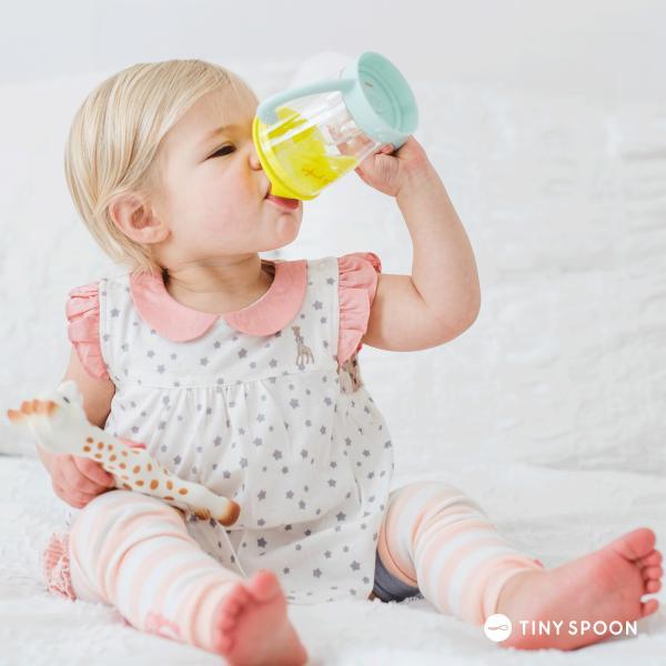 マスコットカップ キリンのソフィー 6ヶ月 0歳 コップ マグカップ ベビー用品 出産祝い 新生児 乳児 幼児|tinyspoon|02