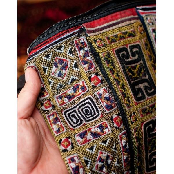 ショルダーバッグ モン族 バック 刺繍 (一点物)モン族刺繍のスクエアショルダーバッグ インド かばん ポーチ エスニック アジア tirakita-shop 04