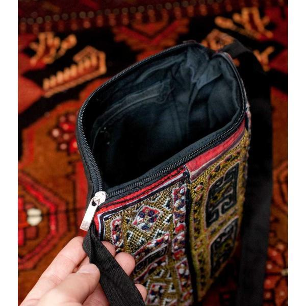 ショルダーバッグ モン族 バック 刺繍 (一点物)モン族刺繍のスクエアショルダーバッグ インド かばん ポーチ エスニック アジア tirakita-shop 09