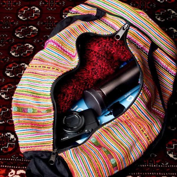 モン族刺繍 まんまる折りたたみ式2Wayトラベルバッグ / ショルダーバッグ レビューでタイカレープレゼント|tirakita-shop|15