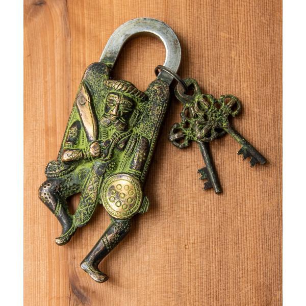 アンティーク 南京錠 カギ かぎ ク風南京錠 古代戦士 鍵 インド エスニック アジア 雑貨