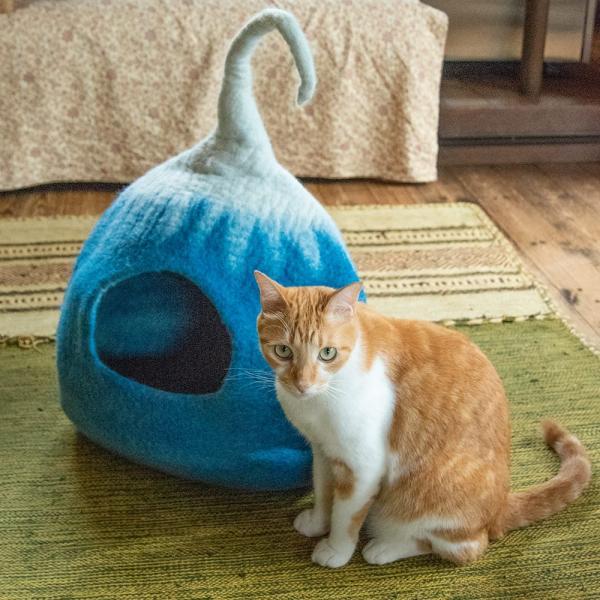 ネパールフェルトのしっぽ付きキャットハウス / ペット用品 猫ハウス レビューでタイカレープレゼント tirakita-shop