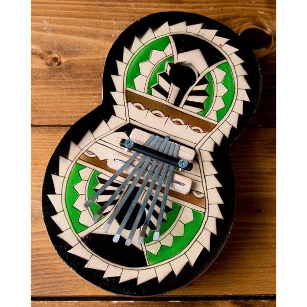 カリンバ 親指ピアノ サムピアノ 民族楽器 バリ ココナッツカリンバ ラメラフォーン 7弦ココナッツカリンバ (カラフル・ギター型) インド楽器 エスニック楽器|tirakita-shop