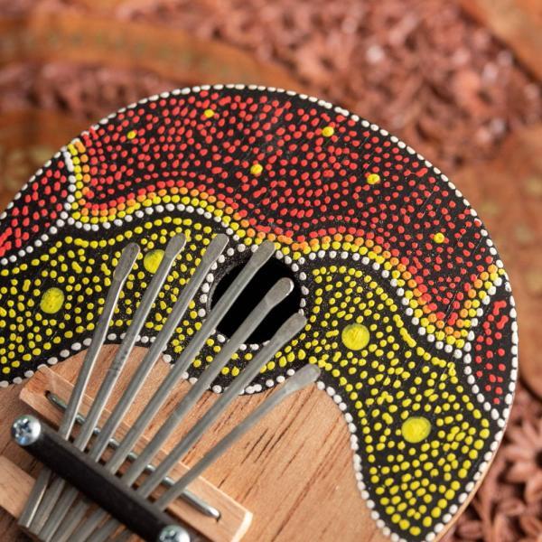 カリンバ 親指ピアノ サムピアノ 民族楽器 バリ ココナッツカリンバ ラメラフォーン 7弦ココナッツカリンバ (赤波柄) インド楽器 エスニック楽器|tirakita-shop|04