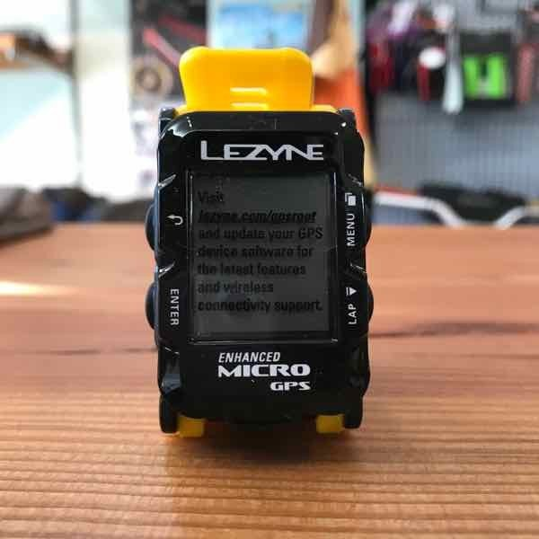 LEZYNE レザイン MICRO GPS WATCH Yellow【サイクルコンピュータ】【腕時計】【自転車】【日本国内正規販売モデル】【スマートフォン連動】【ナビゲーション】|toolate