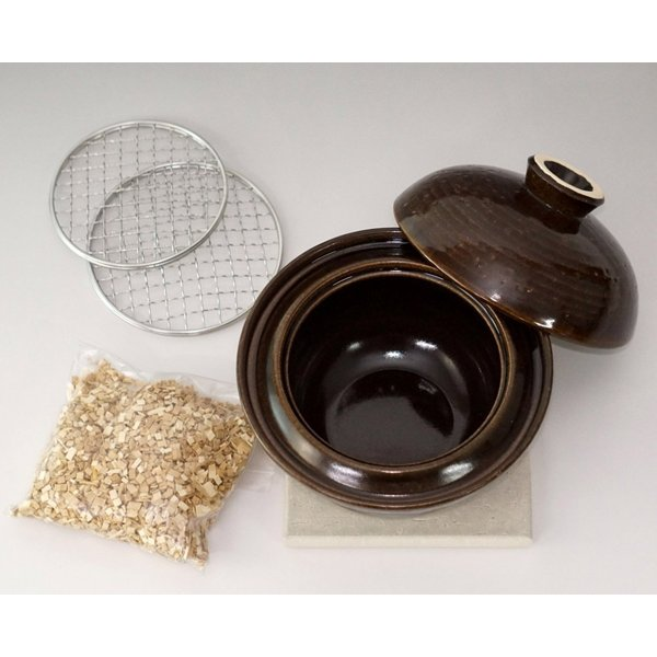 カンブリア宮殿で紹介!冷蔵庫の食べ物が30分でおいしい燻製になる土鍋!