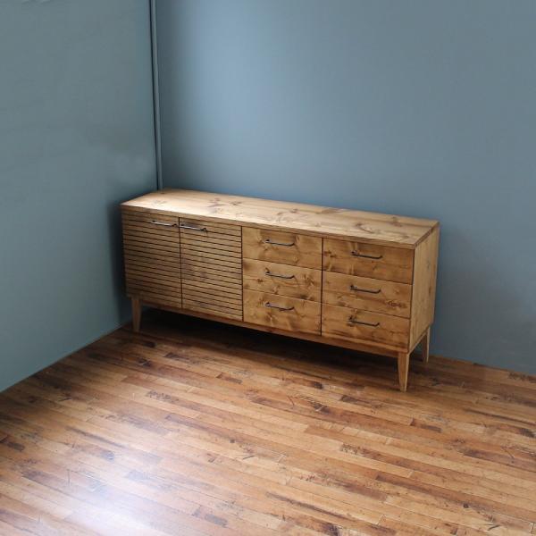 サイドボード 150センチ パイン無垢 グラス棚 コップ棚 カップボード 鉄脚 コレクション棚 手作り ハンドメイド オーダー アイアン|trunk-furniture|02