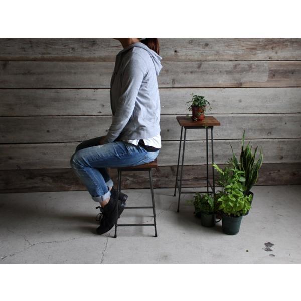 アイアンスツール Iron stool ヴィンテージ加工を施したパイン無垢材とアイアンのコンビネーションが際立つスツール インダストリアル  おしゃれ|trunk-furniture|06