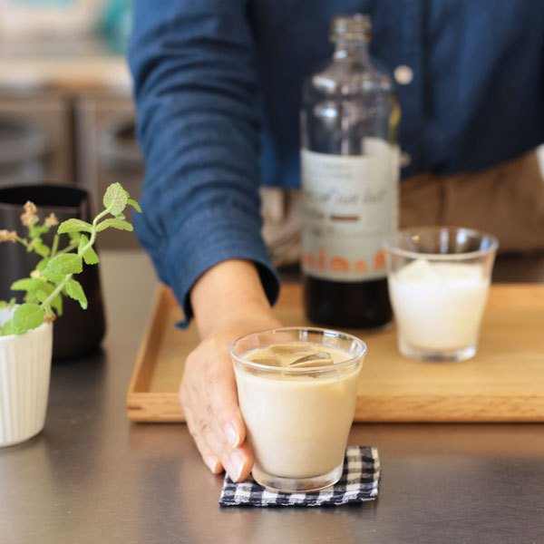 デカフェ オレ・ベース 加糖 てんさい糖入り 600ml×1本 豆乳ラテ カフェオレの素 かき氷 シロップ|tsujimotocoffee|04