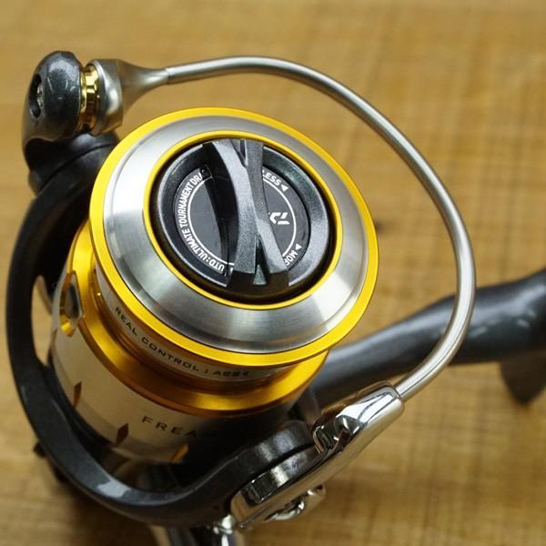 ダイワ 11フリームス 2004/K356M スピニングリール 美品|tsuriking|08