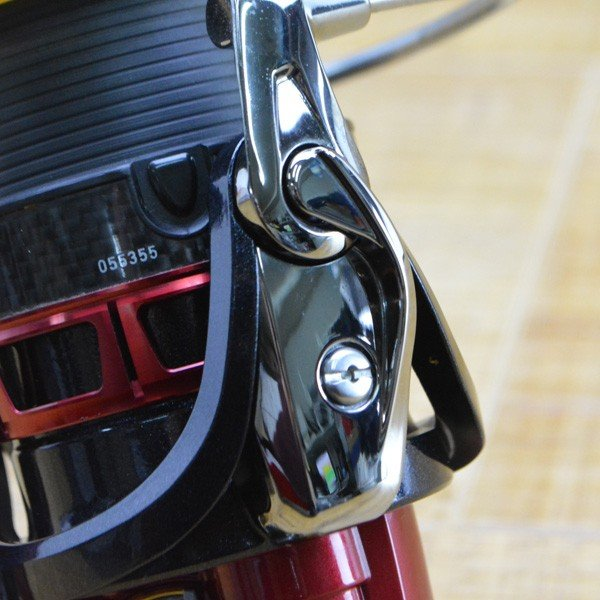 ダイワ 12トーナメントISO 競技LBD /L381M 極上美品 スピニングリール